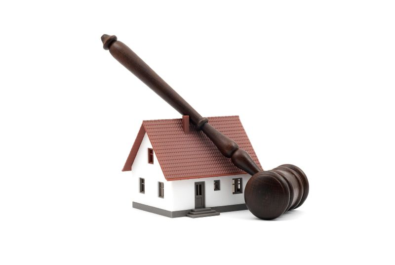 Home Gavel Graphic