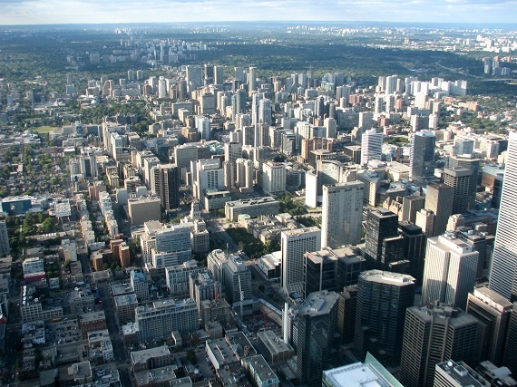 View_of_Toronto_from_the_CN_Tower_in_October_2009