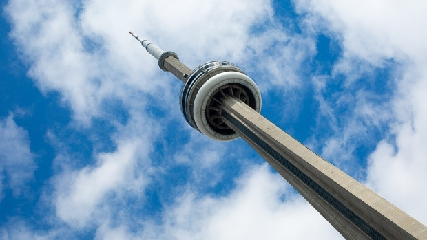 Cn-tower-toronto-weather-blue-sky-and-cloud
